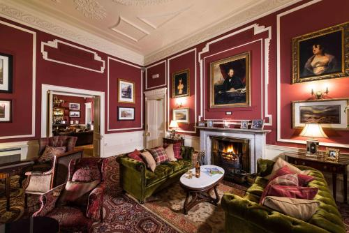 A seating area at Thainstone House
