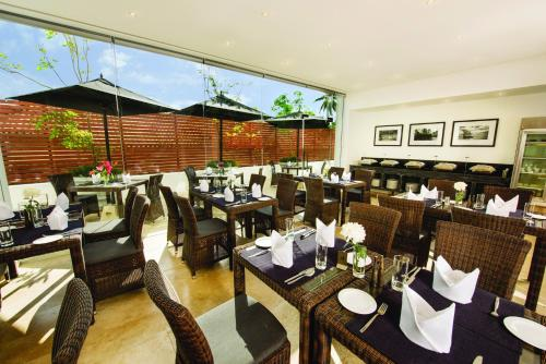 A restaurant or other place to eat at Fair View Hotel Colombo