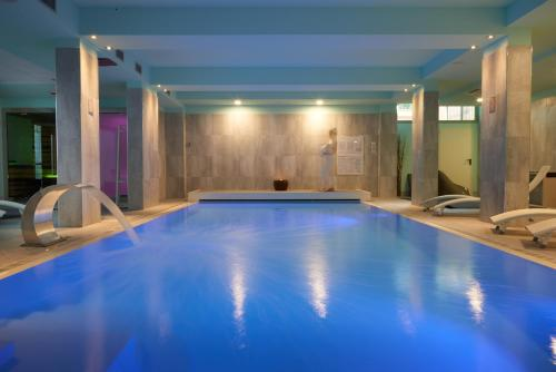 The swimming pool at or close to Forte16 View & SPA