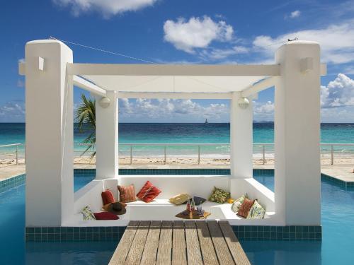 Coral Beach Club Villas & Marina
