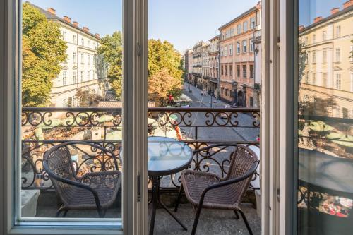 A balcony or terrace at Lviv Apartments