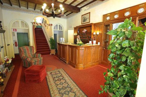 The lobby or reception area at Hotel Villa Kinzica