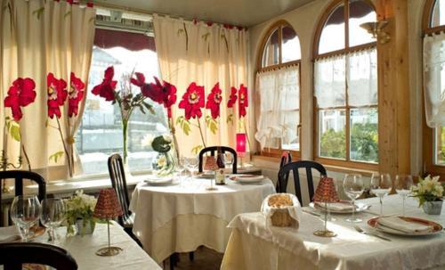Restaurant ou autre lieu de restauration dans l'établissement Hotel Restaurant Robichon