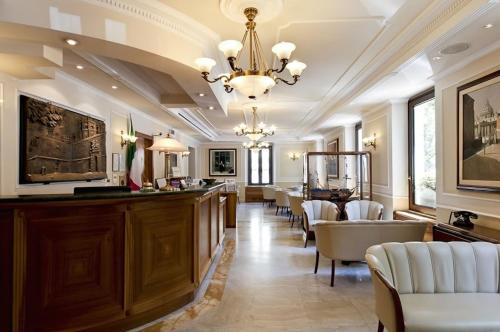 The lobby or reception area at Tmark Hotel Vaticano