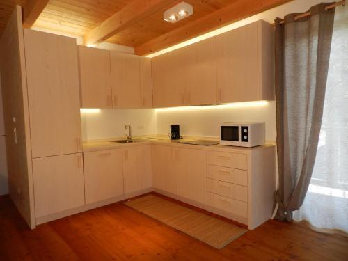 A kitchen or kitchenette at Haus Design by ISA AGENTUR