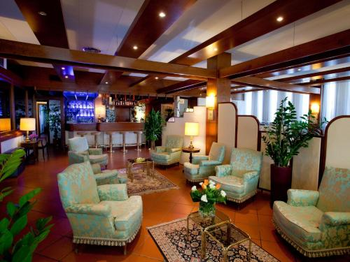 The lobby or reception area at Hotel Marconi