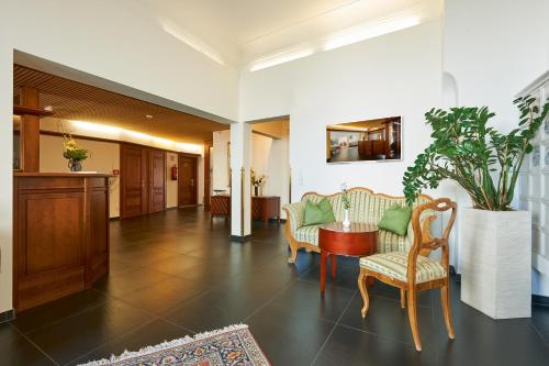 A seating area at Hotel Garni Bodensee