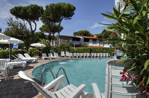 Bazén v ubytování Hotel Alisei nebo v jeho okolí
