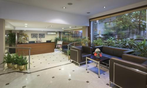 The lobby or reception area at Hotel Casa Fortuna