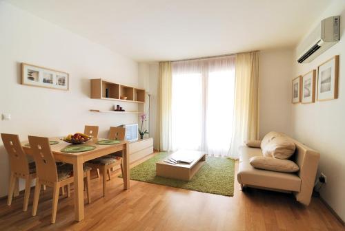 Zona de estar de Leda Apartments