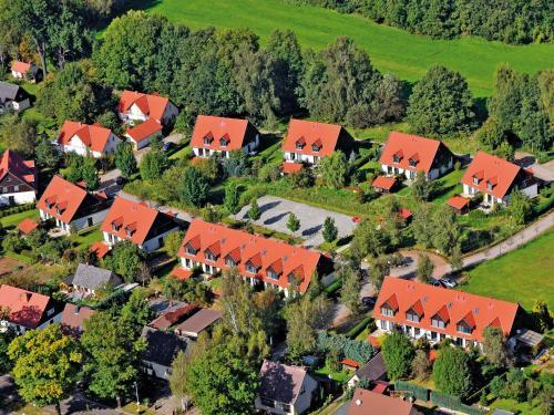 Blick auf Spreewälder Ferienhäuser aus der Vogelperspektive