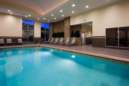 The swimming pool at or near Embassy Suites Denver - Downtown/Convention Center