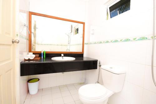 A bathroom at Koimala Hotel