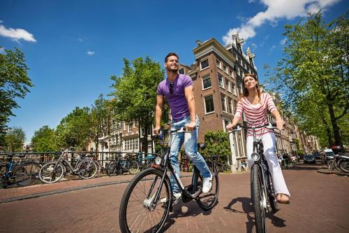 Radfahren an der Unterkunft Hotel Sint Nicolaas oder in der Nähe