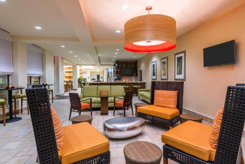 A restaurant or other place to eat at Hilton Garden Inn Wayne