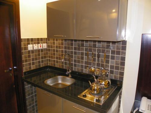 A cozinha ou cozinha compacta de Marahel ELKharj 2