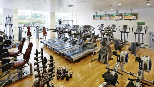 The fitness center and/or fitness facilities at Leicester Marriott Hotel