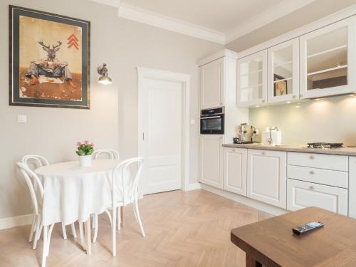 Kuchnia lub aneks kuchenny w obiekcie Best Apartments Św. Antoniego