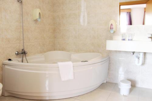 A bathroom at Hotel Colon