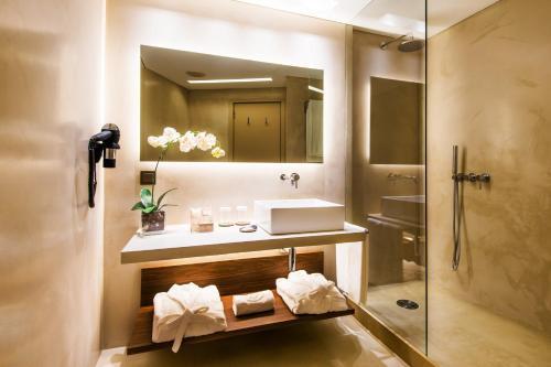 Un baño de Hotel Dom Henrique - Downtown