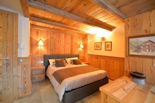 Ein Bett oder Betten in einem Zimmer der Unterkunft Haus Gabriel - Seefeld
