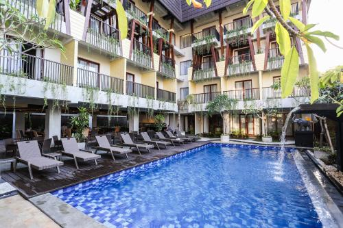 The swimming pool at or close to Serela Legian by KAGUM Hotels