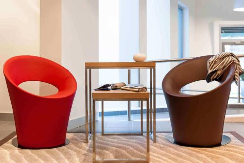 A seating area at ibis Hotel Stuttgart City