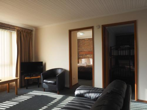Гостиная зона в Burnie Ocean View Motel and Caravan Park