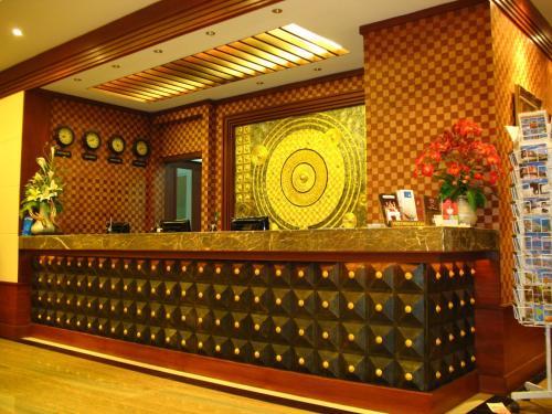 The lobby or reception area at Wannara Hotel Hua Hin