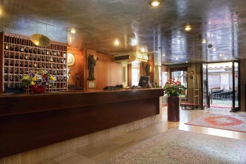The lobby or reception area at Albergo Cavalletto & Doge Orseolo