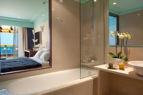 Bagno di Apostolata Island Resort and Spa