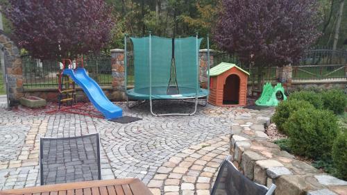 Herní místnost nebo prostor pro děti v ubytování Zámeček Kaliště