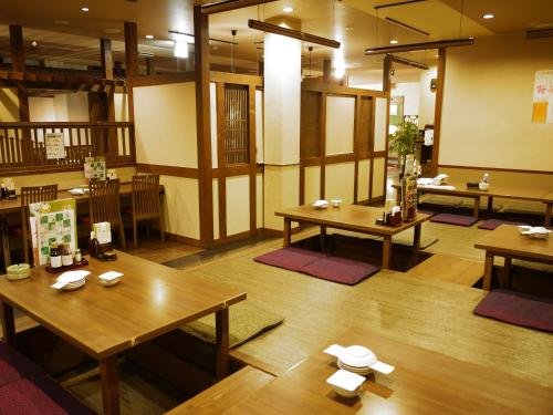 A restaurant or other place to eat at Hotel Route-Inn Hamanako