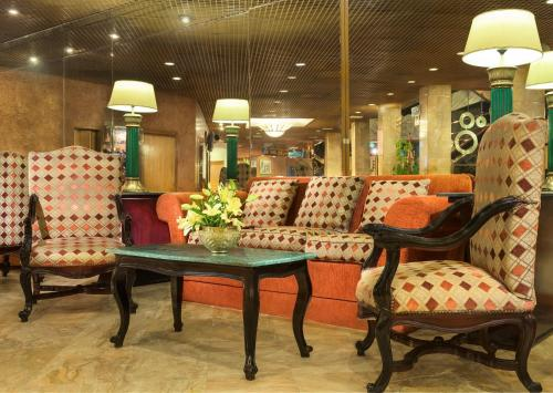 A seating area at Sheraton Montazah Hotel