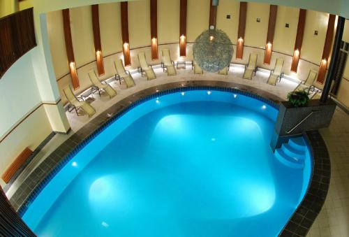 The swimming pool at or near Parkhotel Valkenburg