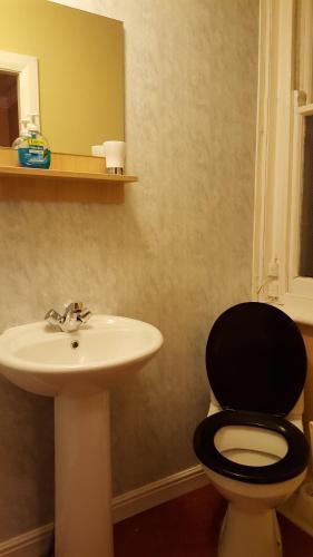 A bathroom at Locomotion Hotel
