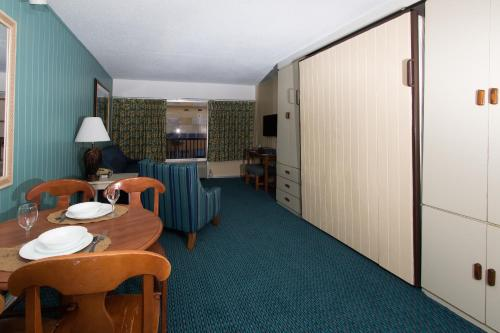 A room at Peppertree by the Sea by Capital Vacations