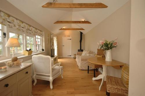 The lounge or bar area at River Cottage