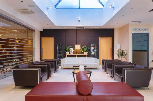 The lounge or bar area at Courtyard by Marriott Venice Airport