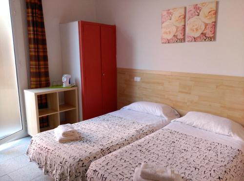Una habitación en Hostal River