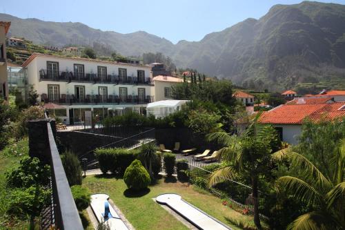 Uma vista da piscina em Estalagem do Vale ou nas proximidades