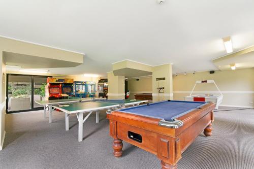 A pool table at Clubb Coolum Beach Resort