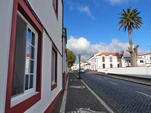 A fachada ou entrada de Casa da Avó - Vila do Porto