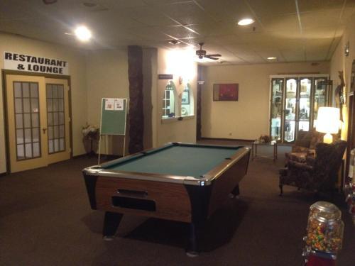 Бильярд в Classic Motor Inn
