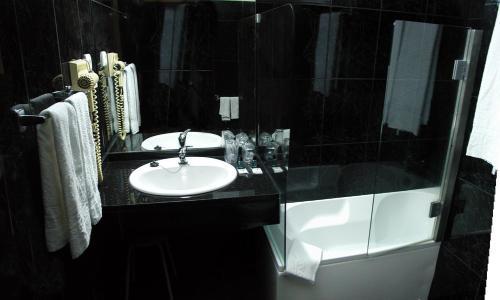 Salle de bains dans l'établissement Hotel Eden