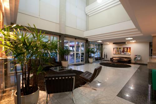 The lobby or reception area at Oitis Hotel