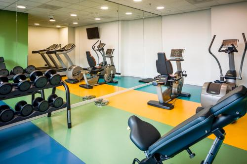 Het fitnesscentrum en/of fitnessfaciliteiten van Park Inn by Radisson Amsterdam Airport Schiphol