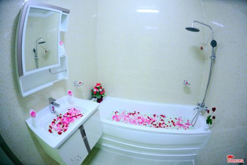 A bathroom at Vega Star Hotel
