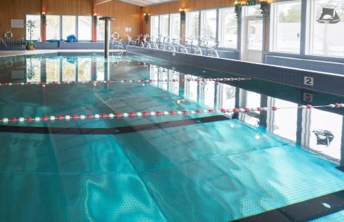 The swimming pool at or near Hotel Kasnäs