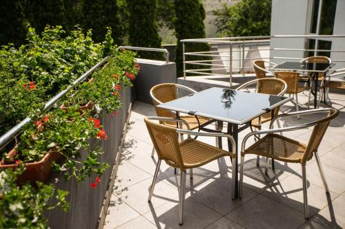A balcony or terrace at Hotel President